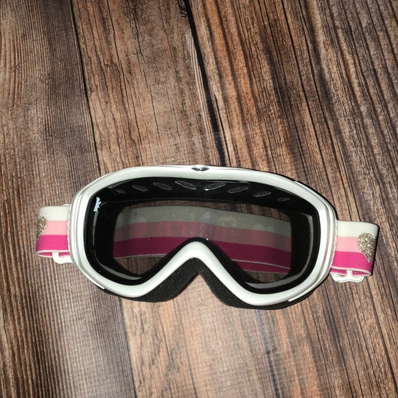 196589884d62 Juicy Couture Accessories - Juice couture pink ski goggles